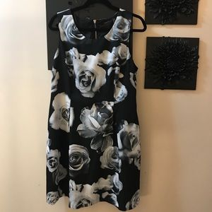 Sexy sleeveless floral black and white dress